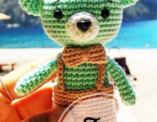 free-and-small-teddy-bear-keychain-amigurumi-pattern-ideas