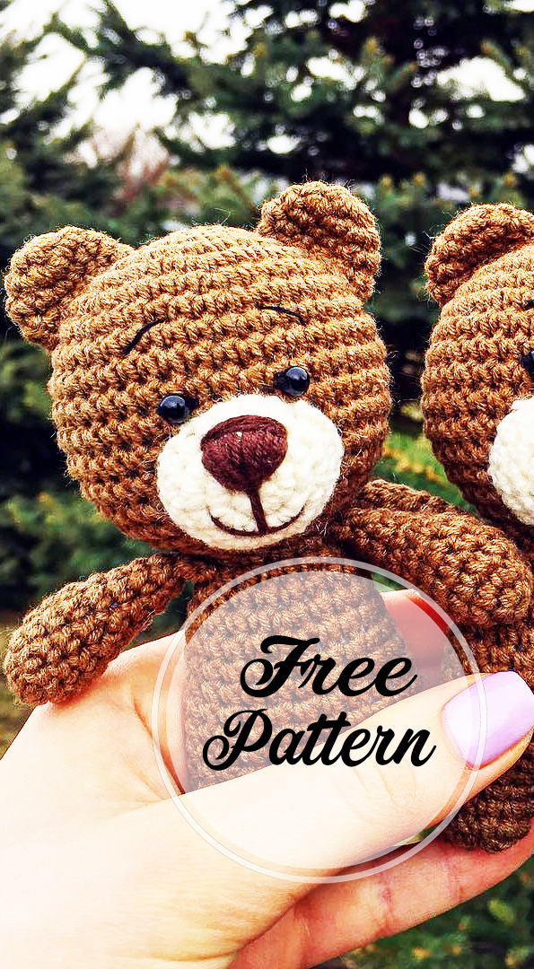 This is a free crochet pattern for a small, sitting teddy bear ... | 1080x595