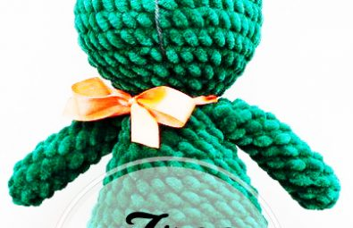 easy-and-free-green-color-amigurumi-bunny-crochet-pattern